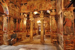 vnitřní prostory v klášteře Meteora