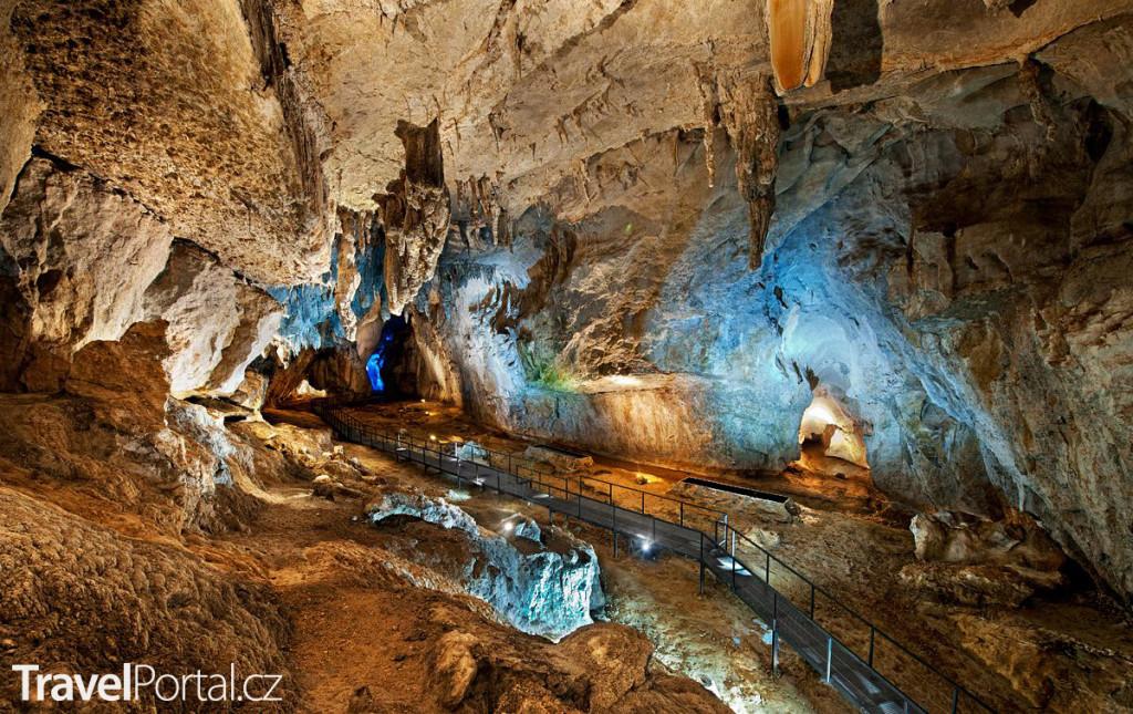 krasová jeskyně El Soplao