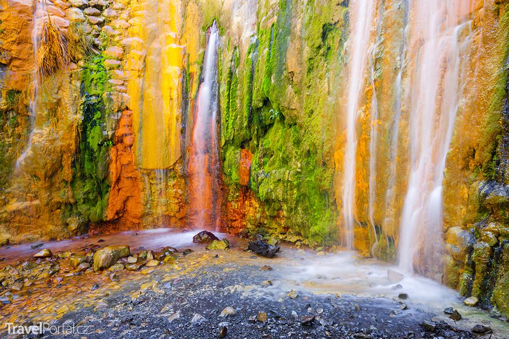 vodopád Cascada de Colores