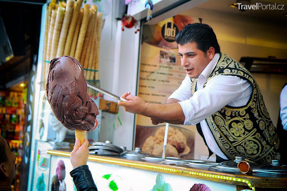 turecká zmrzlina dondurma