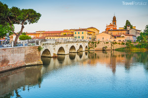 Tiberiův most v Rimini