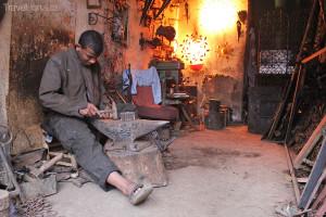 Kovář na Jemaa el-Fna