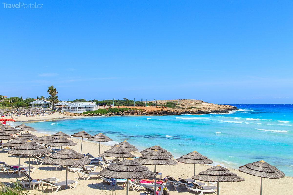 pláž Nissi na ostrově Kypr