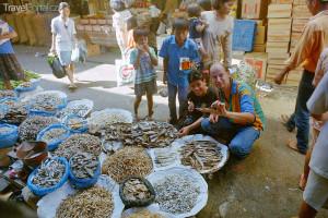 sušené plody moře Jiří Rill na ostrově Toba