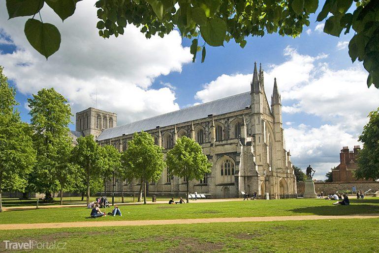 Winchesterská katedrála