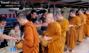 Mniši v Thajsku buddhismus