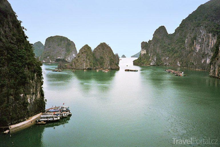 Dračí zátoka Vietnam