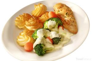 Hraběnčiny brambory s masem a brokolicí