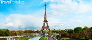 Eiffelova věž z dálky