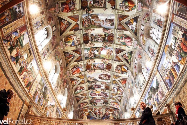 Sixtínská kaple interiér