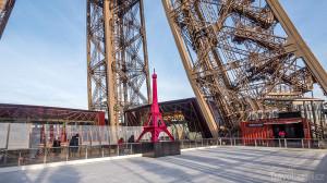 Eiffelova věž kluziště