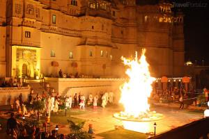 první den festivalu Holi