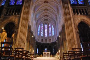 oltář katedrály v Chartres