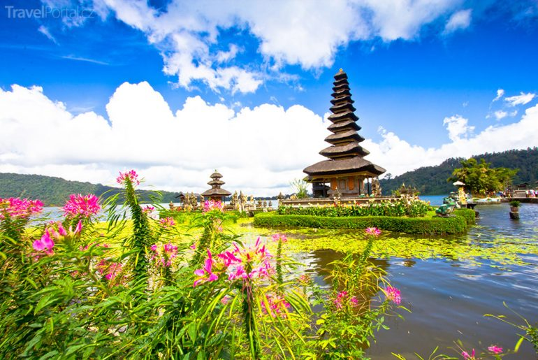 Pura Ulun Danu Beratan Bali Indonésie