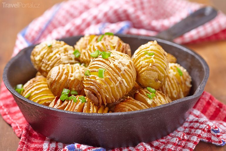 brambory hasselbackspotatis Švédsko