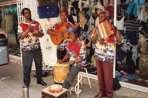 hudebníci v ulicích Willemstadu