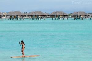 paddleboarding na Bora Bora