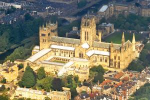 katedrála z výšky