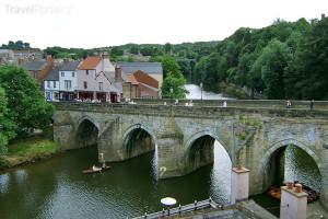 most v Durhamu