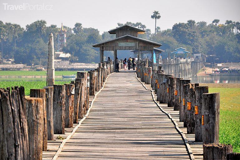 teakový most v Maynmaru