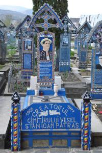modrý kříž na Merry Cemetery v Rumunsku