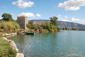 jezero v Butrintu