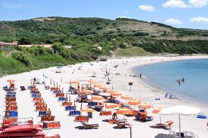 pláž na Sardinii