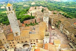 pohled z výšky na San Gimignano
