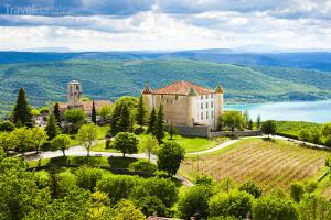 Aiguines a jezero Sainte Croix v Provence