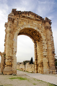 vítězný oblouk Týros