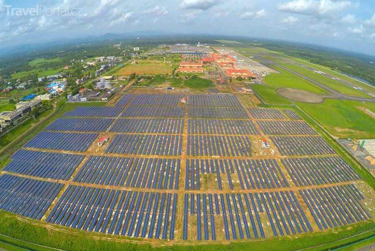 Indie představila první plně solární letiště na světě