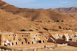 beduínské obydlí v Tunisku