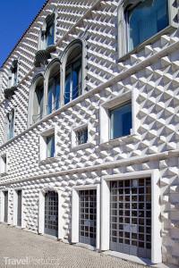 Casa dos Bicos neboli Diamantový dům