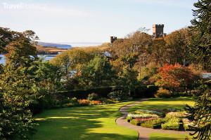 hrad Dunvegan Castle a jeho zahrady