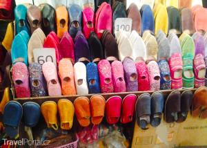 boty na tržnici Jemaa el-Fna