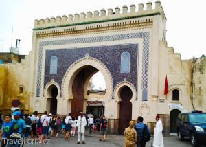 brána Bab Boujeloud ve Fezu