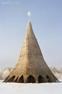 Nikolay Polissky: Media Tower (2002)