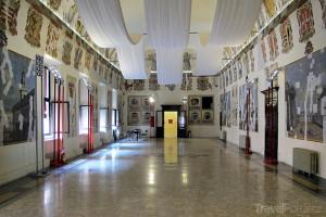 interiér hradu ve městě Ferrara