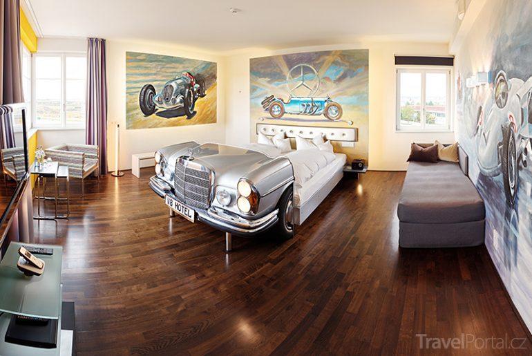 hotel V8