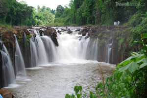 vodopád v Laosu