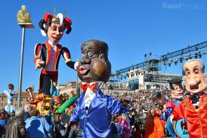 Město Nice v době karnevalu