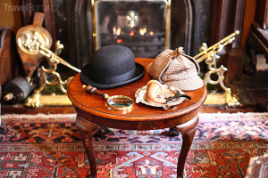 Watsonova a Holmesova čepice