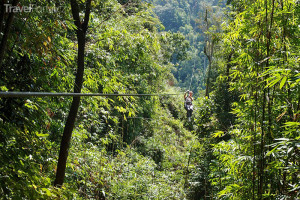 zipline v Laosu