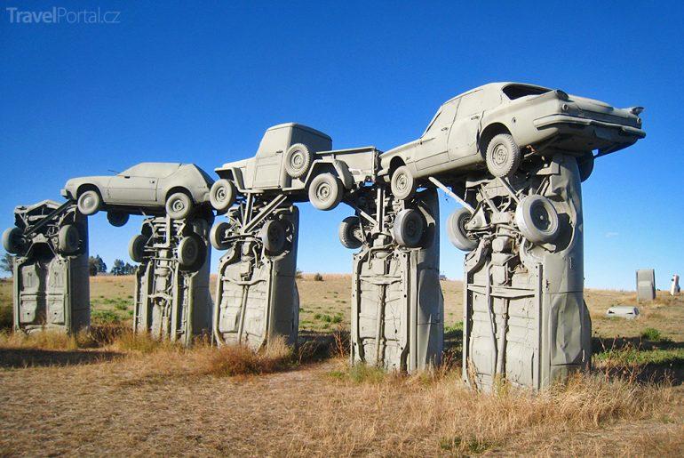 Carhenge se řadí mezi nejpodivnější sochy světa