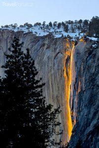 ohnivý vodopád Horsetail Falls