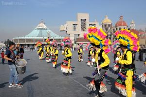 Indiáni oslavují Pannu Marii Guagalupskou