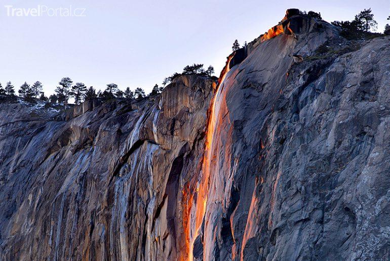 Ohnivý vodopád v Kalifornii