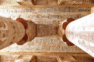 sloupy v Dendeře