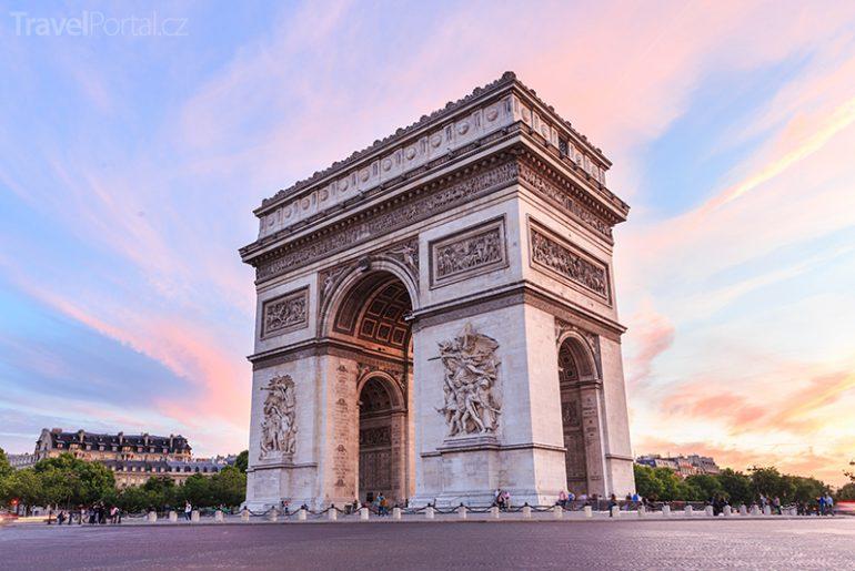 Vítězný oblouk neboli Arc de Triomphe