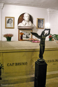 hrobka Benita Mussoliniho